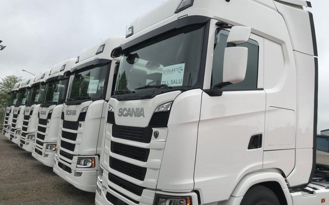 Leverans av Scania S 500A6x2NB Dragbil