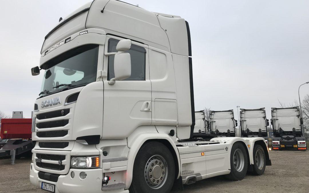 Scania R520LA6x2HNB
