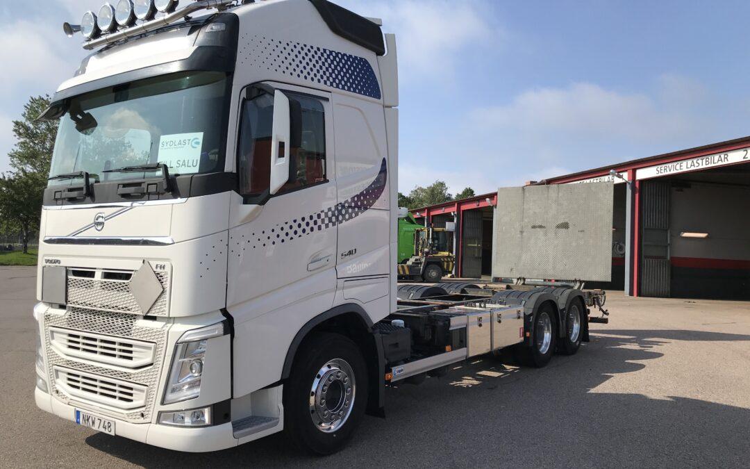 Volvo FH540 6*2 fullboggie med Lagab lösflaksrede