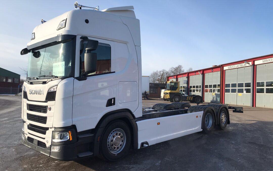 Scania R580B6x2*4LB Chassi